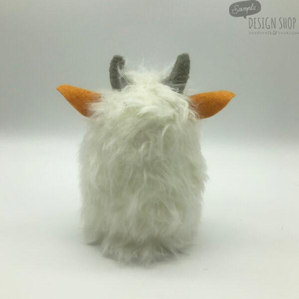 Fehér klasszik yetiboci narancssárga fülekkel