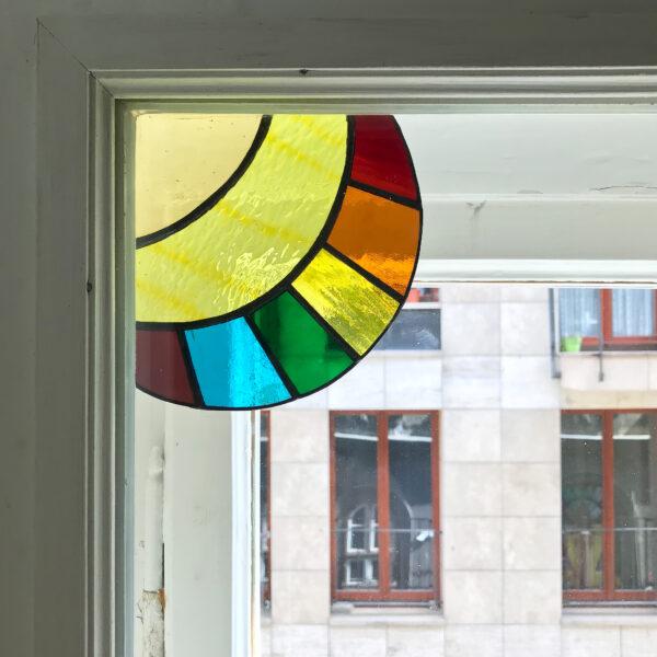 Üveg ablaksarok fénycsapda - sárga szivárványos